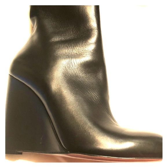 553e2efd80c Gucci Ankle Boots with a Wedge Heel Size 39. New
